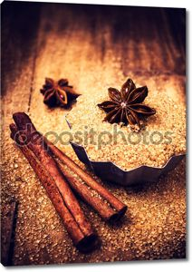 коричневый сахар и звездчатого аниса