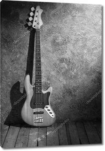 b&w Джаз бас