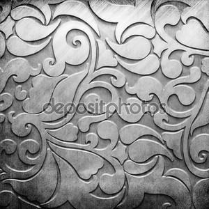 Серебряная металлическая пластина с классическим орнаментом