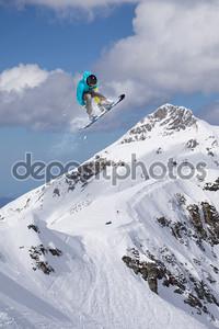 Экстремальный трюк в горах