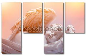 романтичный портрет спящего маленького ангела