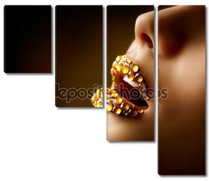 Сексуальные губы с бриллиантами. Профессиональный Золотой макияж