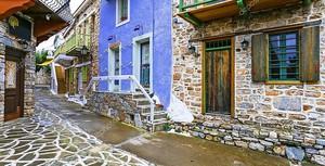 Улицы древних  деревень Греции