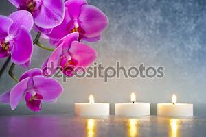 Орхидея с тремя свечами