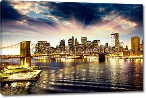 Бруклинский мост и Манхэттен горизонт в ночное время, Нью-Йорк Сити