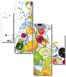 Брызги воды с разными фруктами