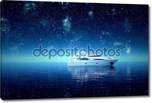 Яхта в море ночью.