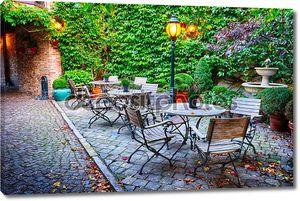 уютное кафе на террасе в Брюгге