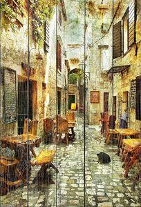 Улица булыжная со столиками