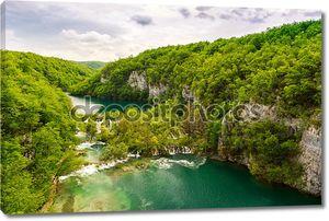 Водопады в национальном парке в Хорватии