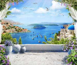 Белая терраса с видом на город на побережье
