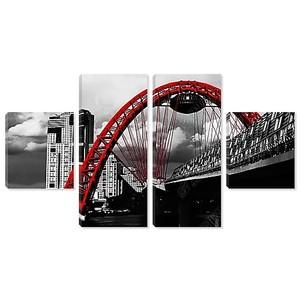 Постер с видом на город с красным мостом