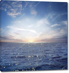 синее небо и океан