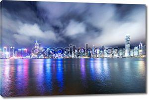 Плывущие облака в Гонконге