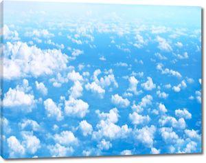 Небо в клочках облаков