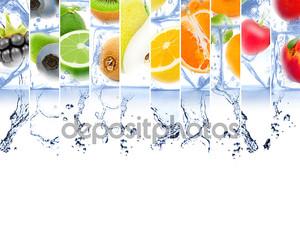 Фрукты в воде со льдом