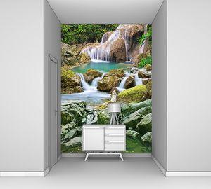 Изумруд лесного водопада
