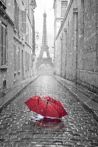 Эйфелева башня вид с улицы Парижа
