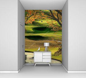 Поле для гольфа с кленом