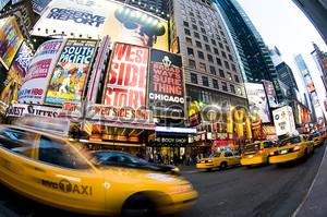 Таймс-сквер Нью-Йорке такси движение