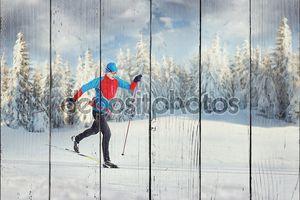 Лыжник в зимнем лесу