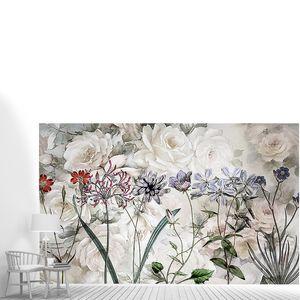 Белые розы с полевыми цветами