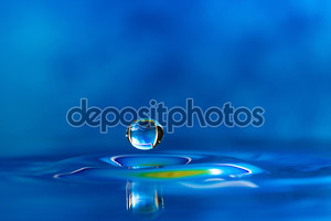 красочные и творческие водные создания снижения