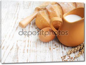Натюрморт с хлебом, молоком и яйцами