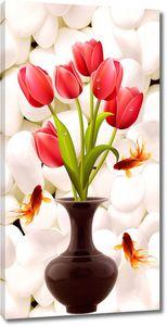 Тюльпаны в вазе на фоне камушков