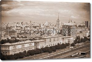 Москва - городской пейзаж, историческая часть города, железная дорога, на переднем плане. Фото в сепии тонированные