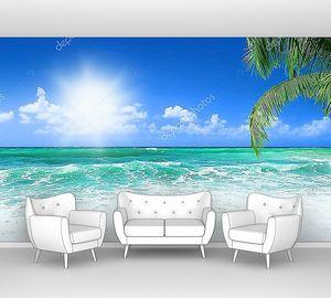Пляж у берегов острова