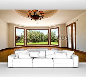 Пустая  гостиная с эркером