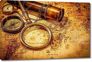 Винтаж увеличительное стекло лежит на карте античного мира