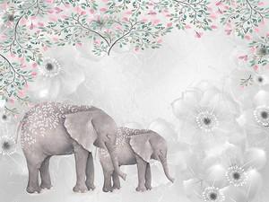 Слониха со слоненком в цветах