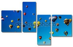 Небо живым с воздушными шарами