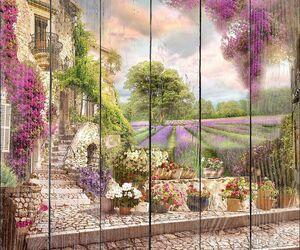 Фиолетовые поля рядом с домом
