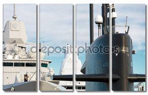 Военно-морской флот. Подводные лодки и корабли с оружием.