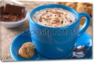 горячий шоколад со взбитыми сливками